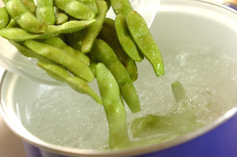 塩ゆで枝豆の作り方の手順2