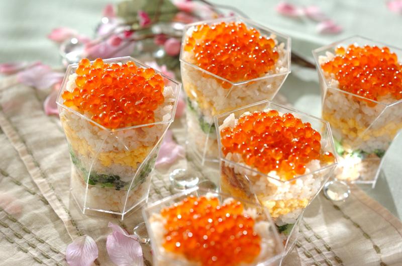 彩りカップ寿司の作り方の手順