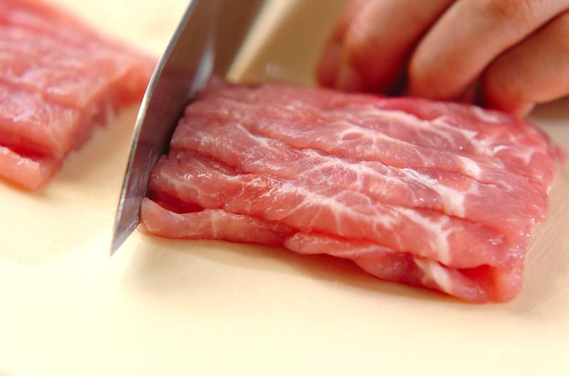 薄切り豚肉のショウガ焼きの作り方の手順1