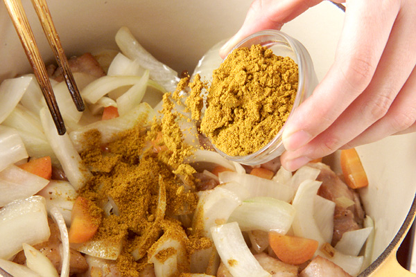 チキンカレーシチューの作り方の手順5