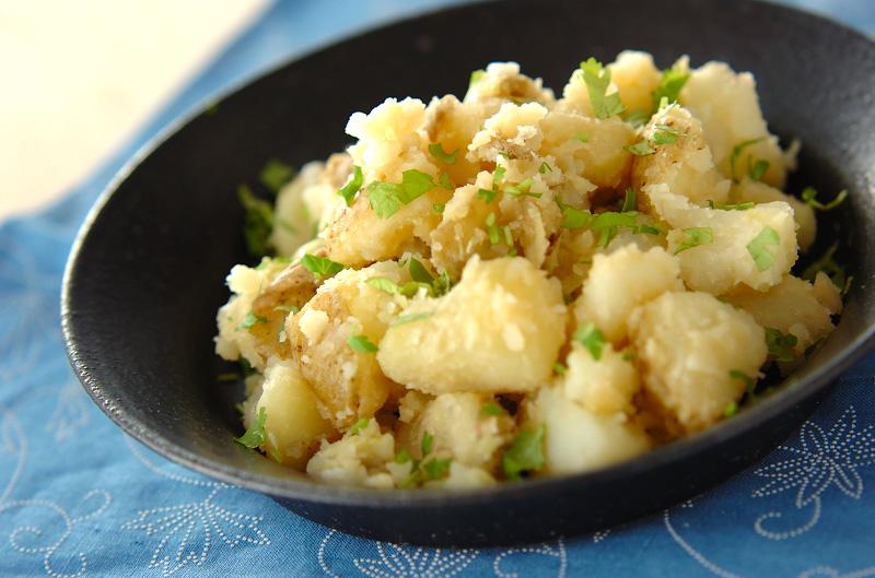 エスニックジャガバター【E・レシピ】料理のプロが作る簡単レシピ/2011.10.26公開のレシピです。