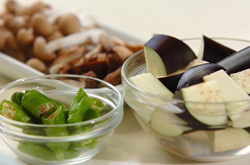 キノコのオイスターソース炒めの作り方の手順1