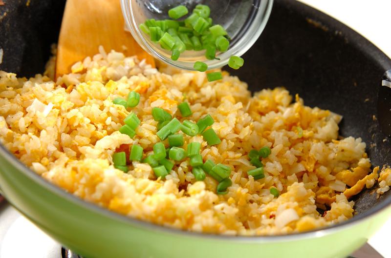 卵のシンプルチャーハンの作り方の手順5