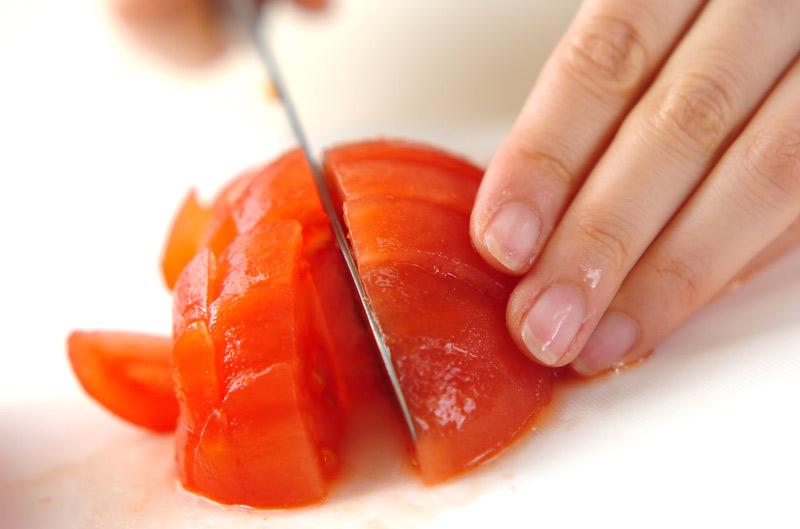 真っ赤なトマトのジュースの下準備1