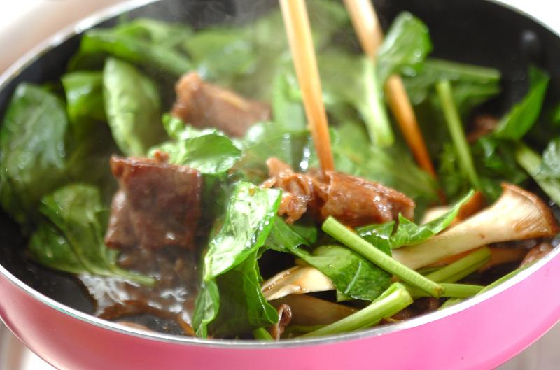 牛肉とホウレン草のオイスターソース炒めの作り方の手順3