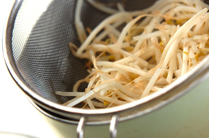 緑豆モヤシと春雨の中華風サラダの作り方1