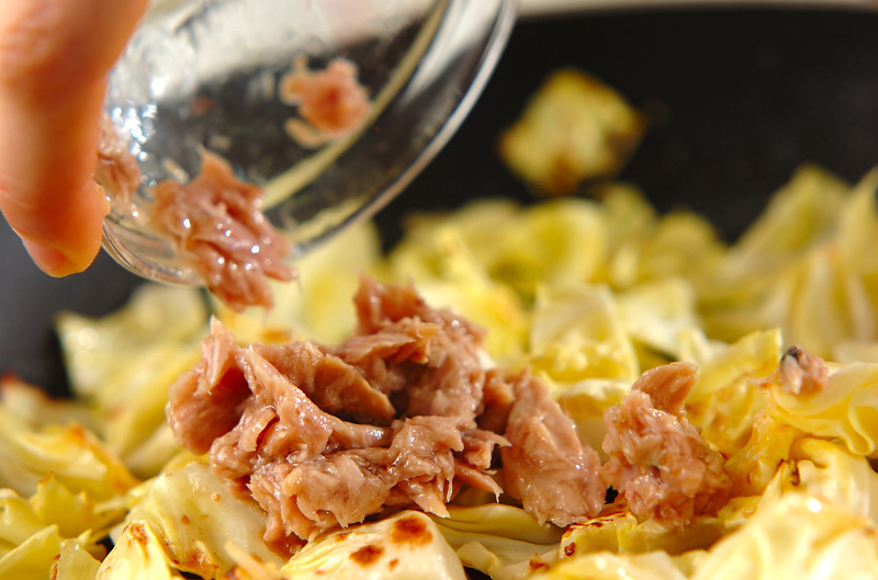 キャベツのツナマヨ炒めの作り方1