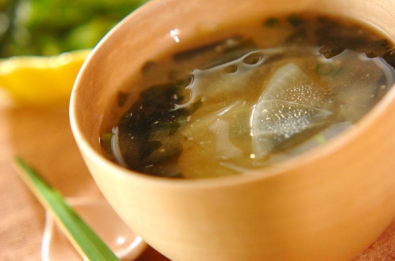 大根と玉ネギのみそ汁の作り方の手順