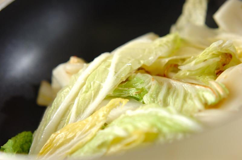 カキと菊菜のアラビアータの作り方の手順7