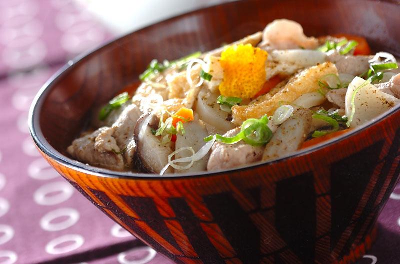 『豚汁うどん』具材のうま味が麺と絡んで最高!野菜も沢山食べれる☆