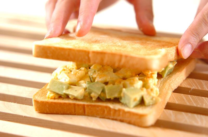 アボカドと卵のサンドの作り方の手順4
