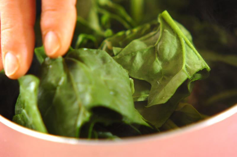 アサリとホウレン草のスープの作り方の手順4