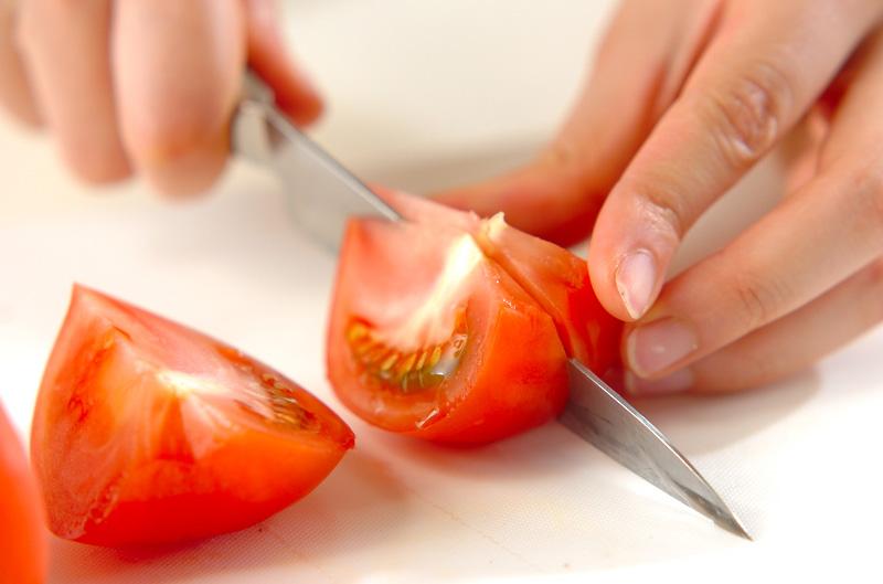 トマトのみそスープの作り方の手順1