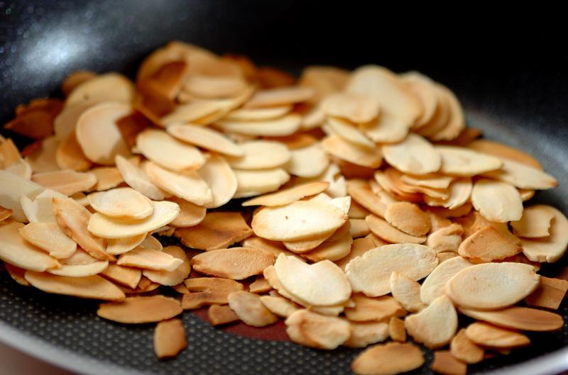 むきエビのナッツサラダの下準備5