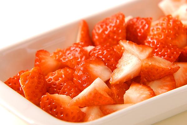 イチゴのふるふるババロアの作り方の手順1