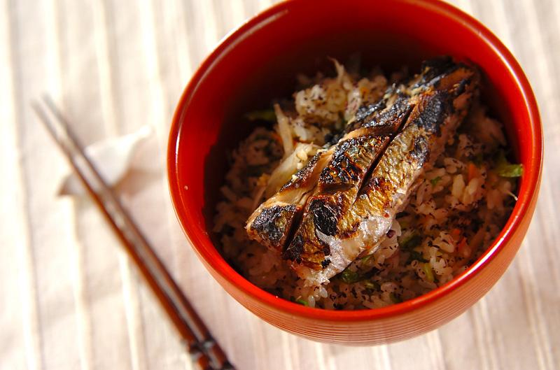 サンマの炊き込みご飯の作り方の手順