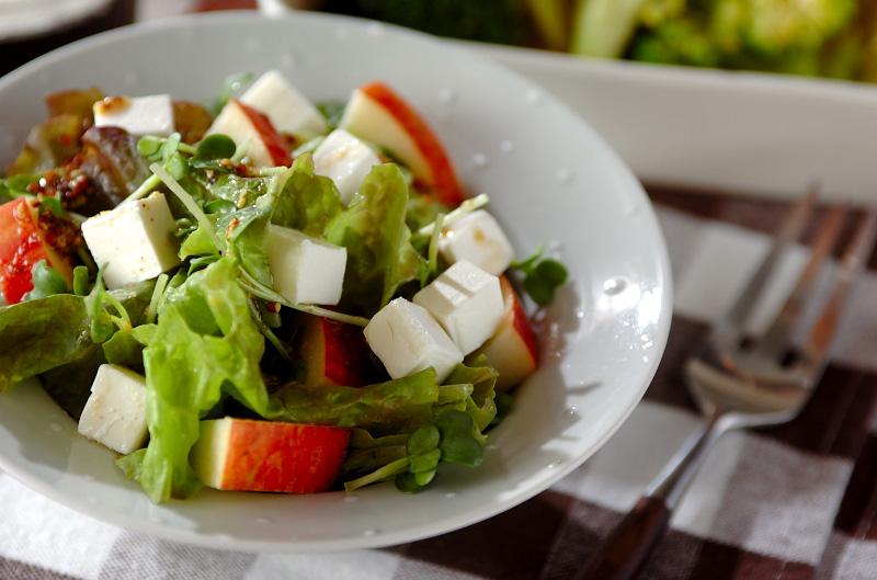 リンゴとクリームチーズのサラダの作り方の手順