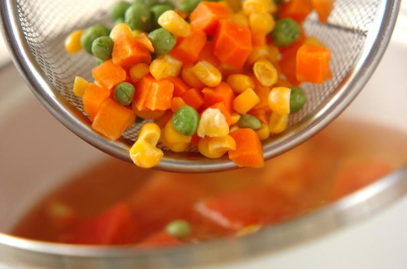トマトとミックスベジタブルのスープの作り方の手順3