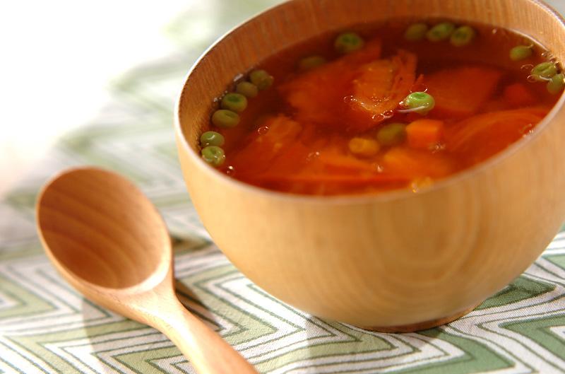 トマトとミックスベジタブルのスープの作り方の手順