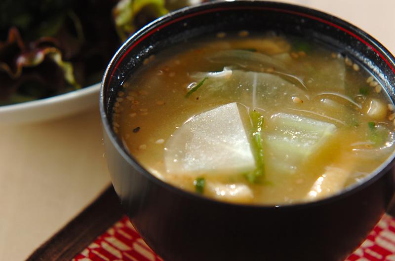 大根と白菜の合わせみそ汁の作り方の手順