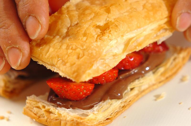 イチゴのチョコカスタードパイの作り方の手順7