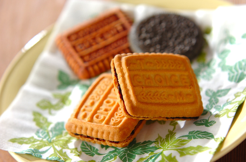 クッキーのチョコサンドの作り方の手順
