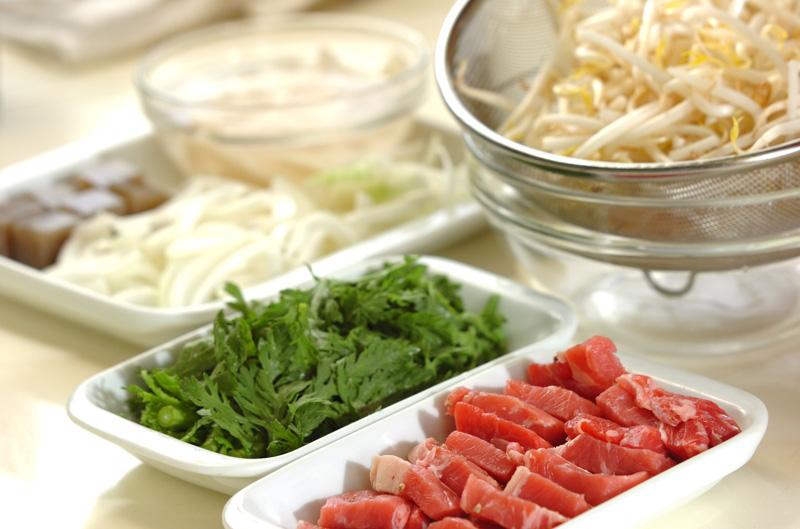 牛肉とコンニャクのサイコロステーキの作り方の手順1