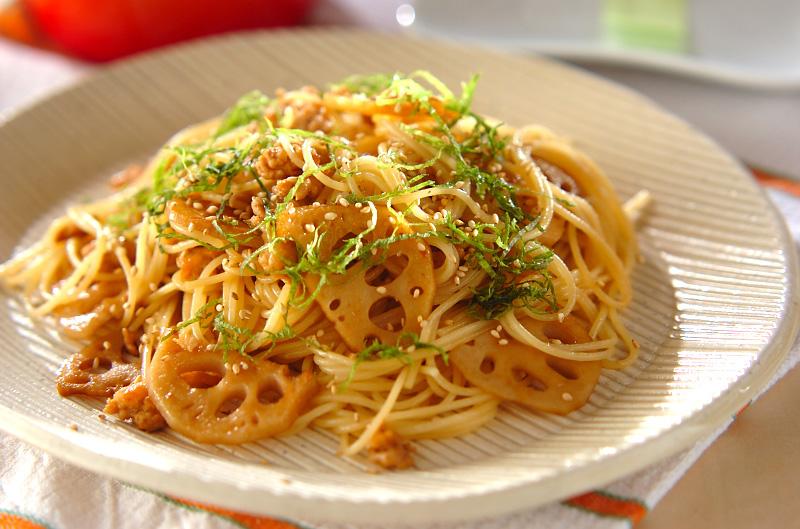 レンコンの和風パスタ【E・レシピ】料理のプロが作る簡単レシピ