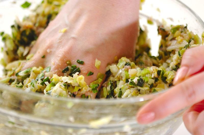 春キャベツの餃子の作り方の手順4