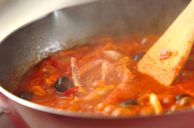 イカと野菜のトマト煮込みの作り方の手順7