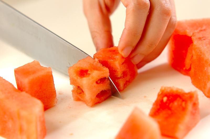 スイカのフルーツポンチの作り方の手順1