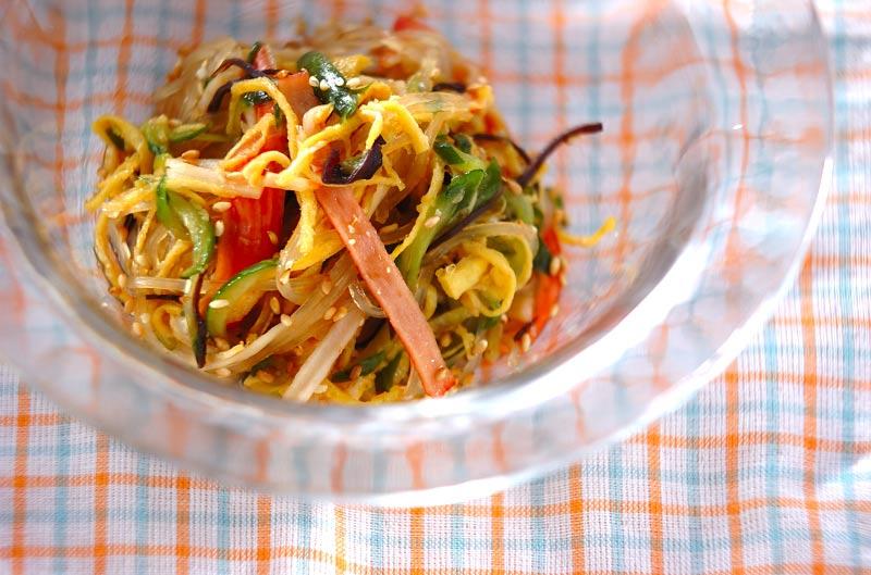 まるでお惣菜屋さんの味!春雨の中華サラダ