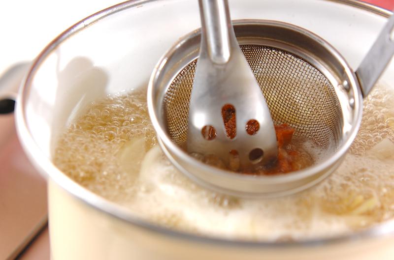 サツマイモのみそ汁の作り方の手順4