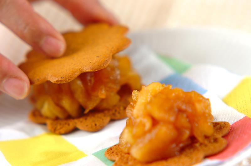 煮リンゴのビスケットサンドの作り方の手順3