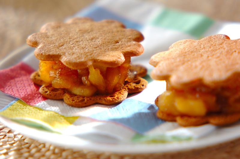 煮リンゴのビスケットサンドの作り方の手順
