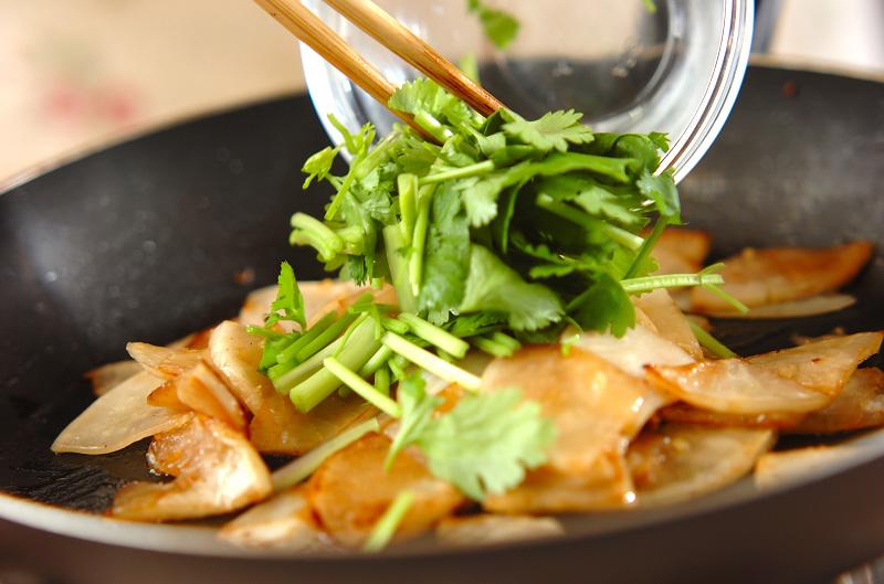カブの香菜炒めの作り方の手順4