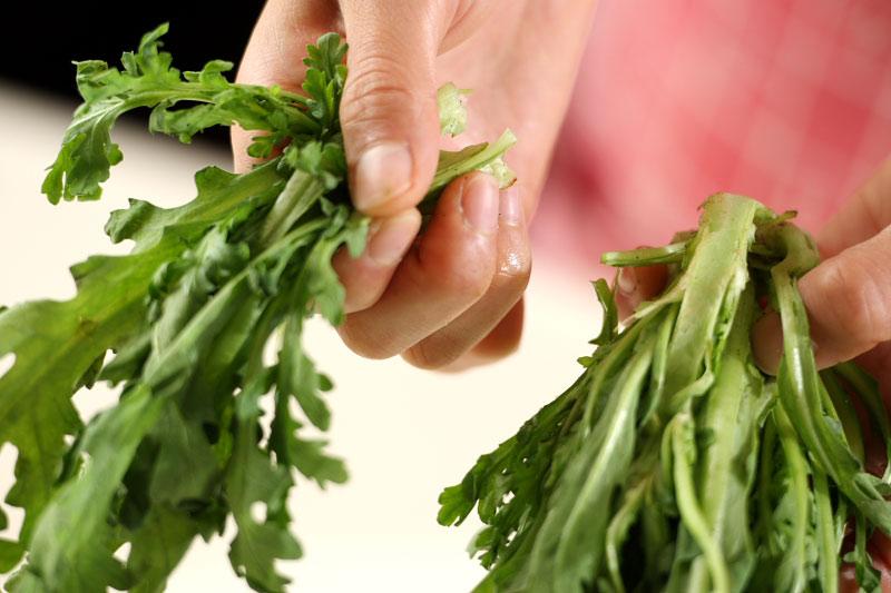 菊菜の白和えの下準備1