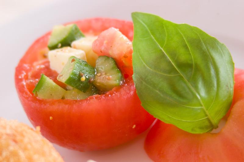 カップトマトサラダ