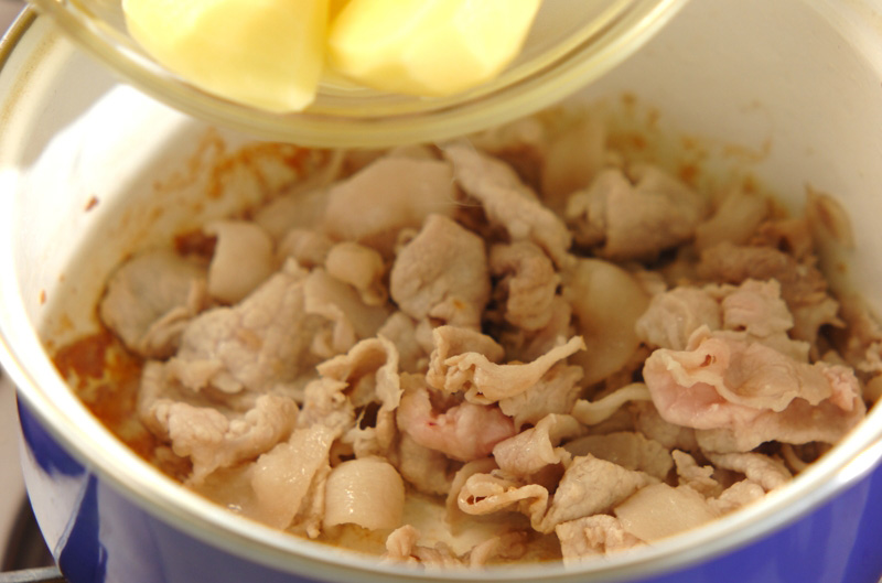 豚肉で肉ジャガの作り方の手順7