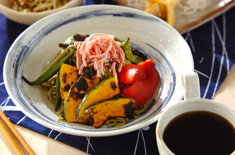 焼き野菜たっぷり茶そば
