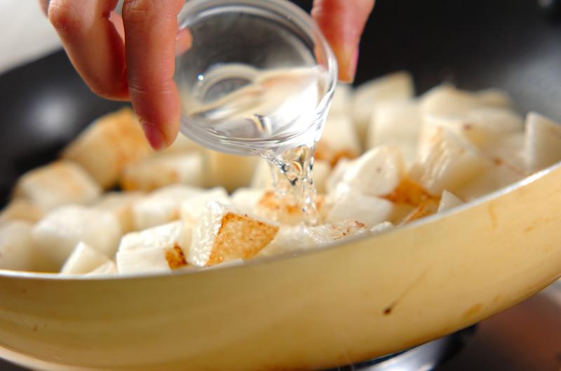 長芋のバターしょうゆ炒めの作り方の手順3
