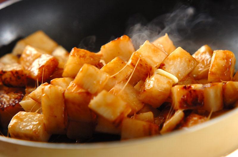 長芋のバターしょうゆ炒めの作り方の手順4