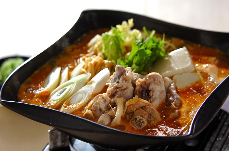 鶏鍋~ゴマ鍋~担々麺風そばの作り方の手順