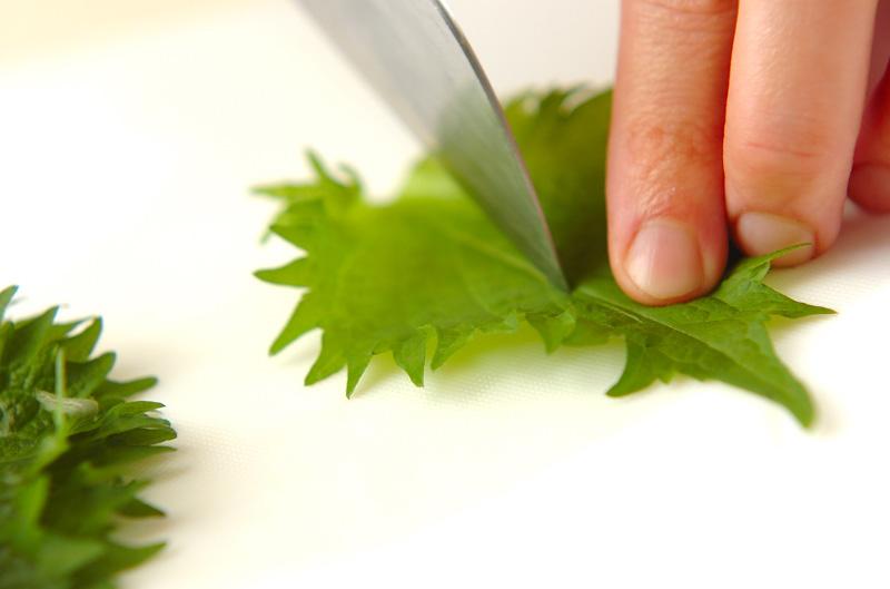 長芋の梅肉大葉巻きの作り方の手順2