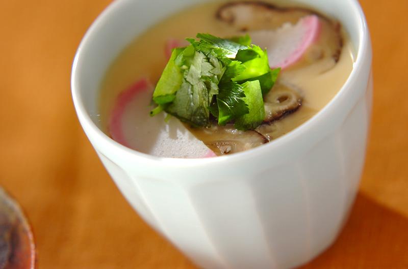 カマボコとシイタケの茶碗蒸し