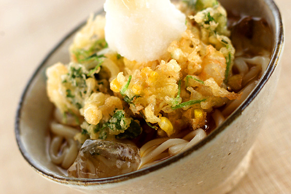 夏のかき揚げうどん【E・レシピ】料理のプロが作る簡単レシピ/2001.07.02公開のレシピです。