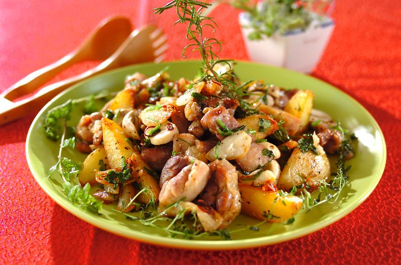鶏肉とジャガイモのガーリック炒め