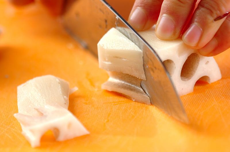 ピリ辛きんぴらレンコンの作り方の手順1