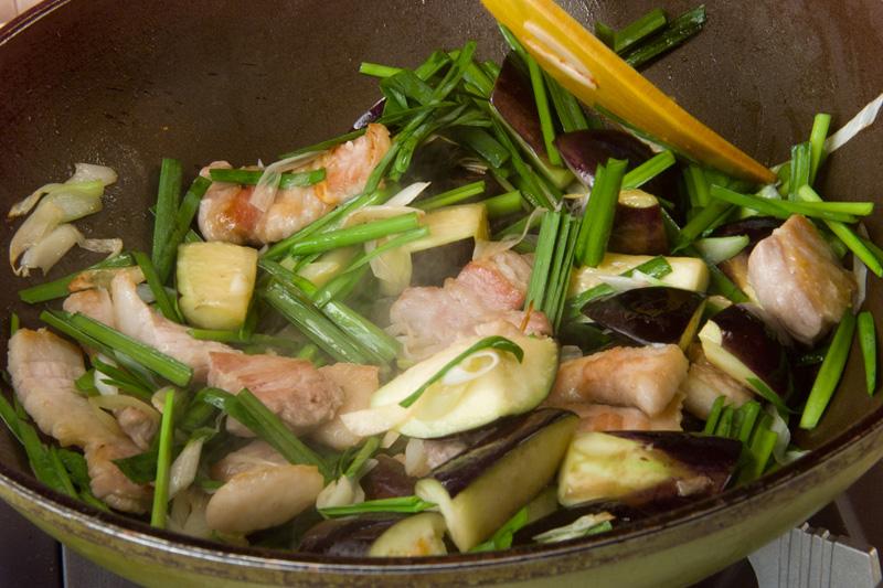 豚バラとナスのソテーの作り方の手順2