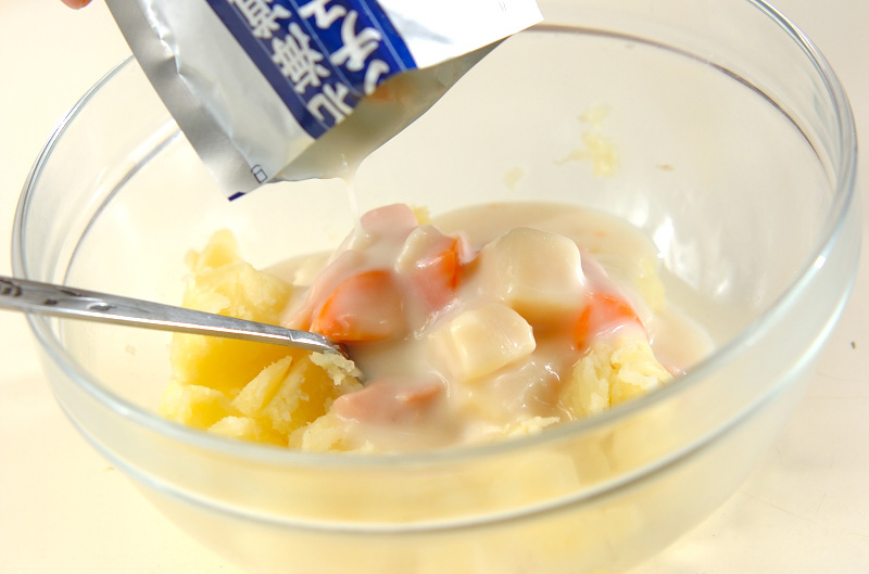 クリームシチューでポテトグラタンの作り方の手順2